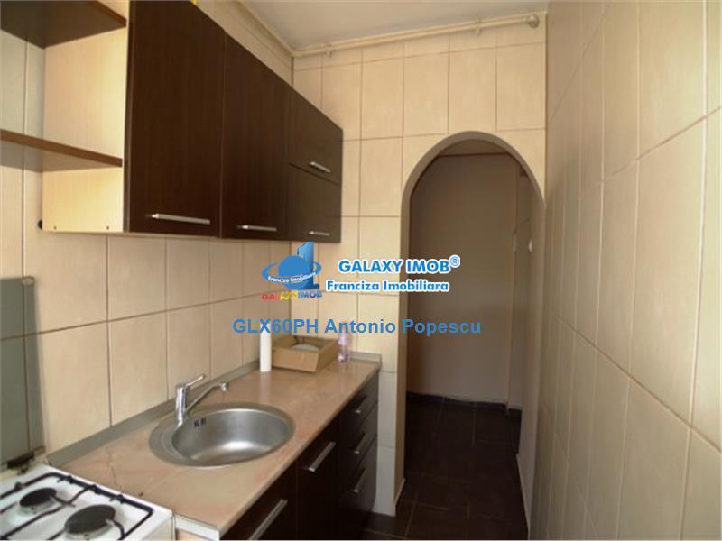 Vanzare apartament 2 camere, in Ploiesti, zona Vest, semidecomandat.