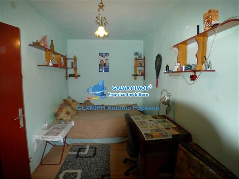 Vanzare apartament 2 camere, in Ploiesti, zona Vest, semidecomandat