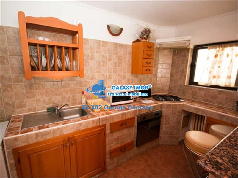 Inchiriere apartament 3 camere ,  stradal, piata Romana ASE