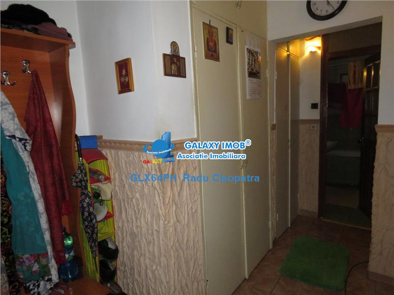 Vanzare apartament 2 camere, Ploiesti, zona Carol Davila