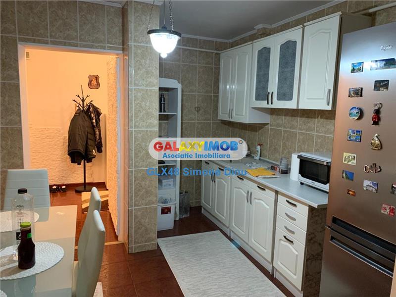 Vanzare apartament 3 camere central Targoviste