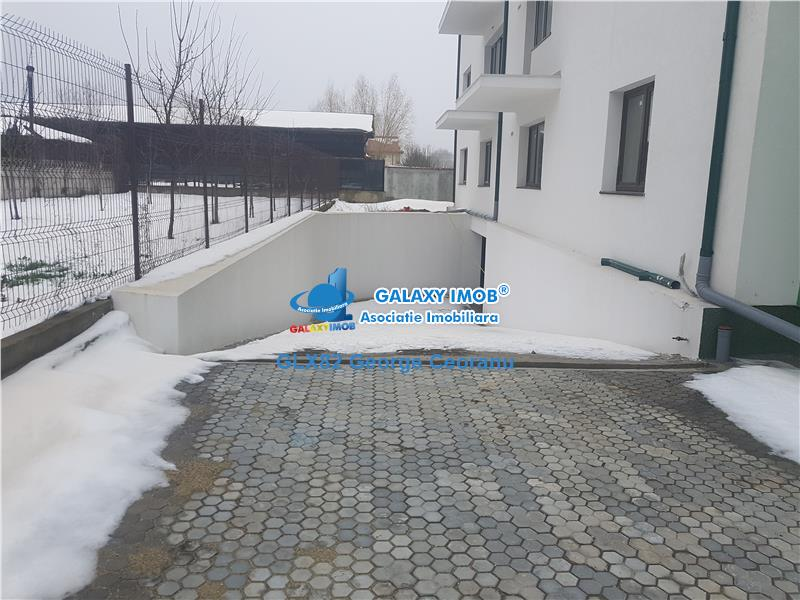 Vanzare apartament 3 camere curte 70mp+parcare Sisesti Papion
