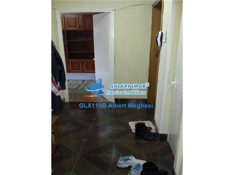 Vanzare Apartament 3 Camere Decomandat Teiul Doamnei Sectia 7