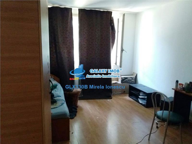 Vanzare apartament 3 camere Drumul Taberei/ Valea Oltului