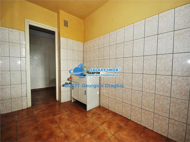 Vanzare apartament 3 camere etaj 2/4 bloc anvelopat Drumul Taberei