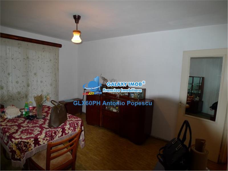 Vanzare apartament 3 camere, in Ploiesti, zona Vest, decomandat