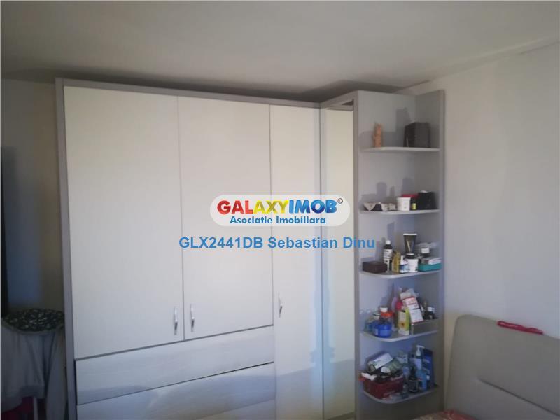 Vanzare apartament 3 camere ,Micro 5