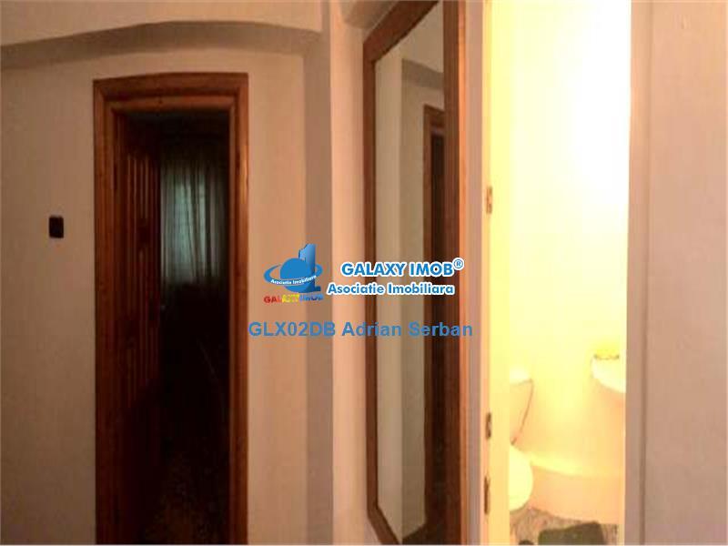 Vanzare apartament 3 camere, Targoviste
