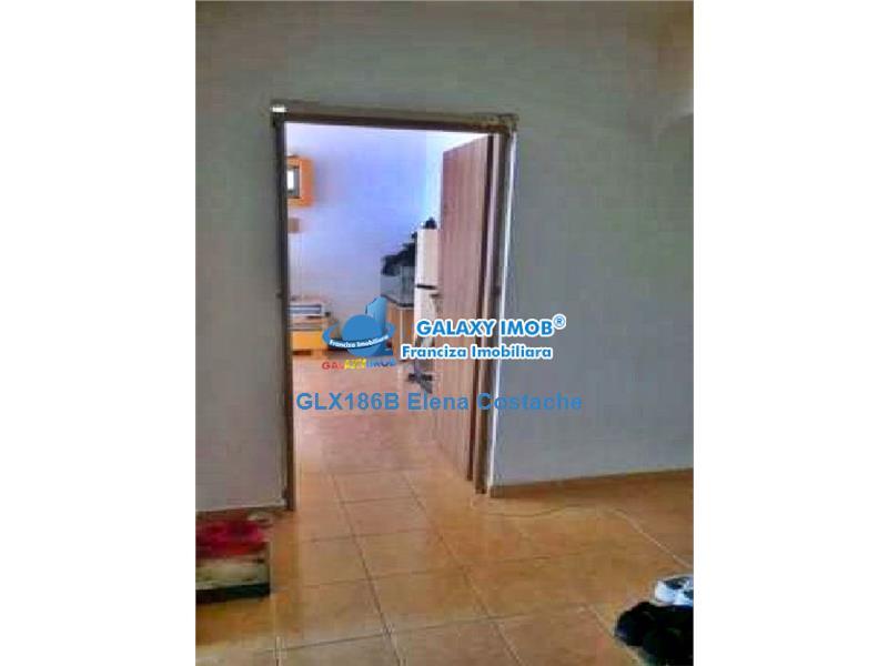 Vanzare apartament 3 camere plus garaj Drumul Taberei Valea Ialomitei