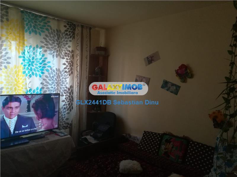 Vanzare apartament 4 camere,confort 1,micro 4