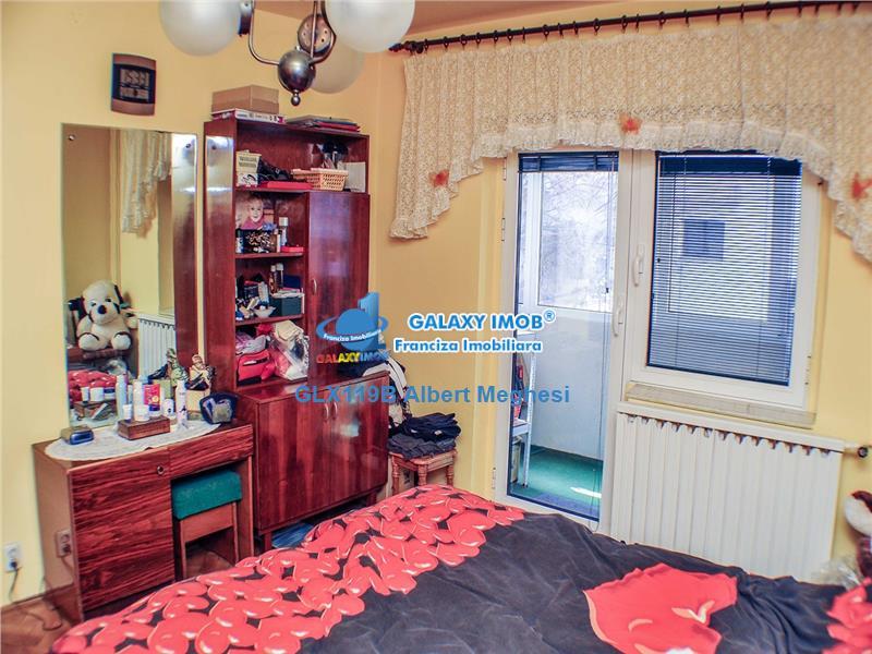 Vanzare Apartament 4 Camere Decomandat Decebal Voronet