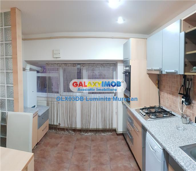 Vanzare apartament 4 camere decomandat Targoviste Central