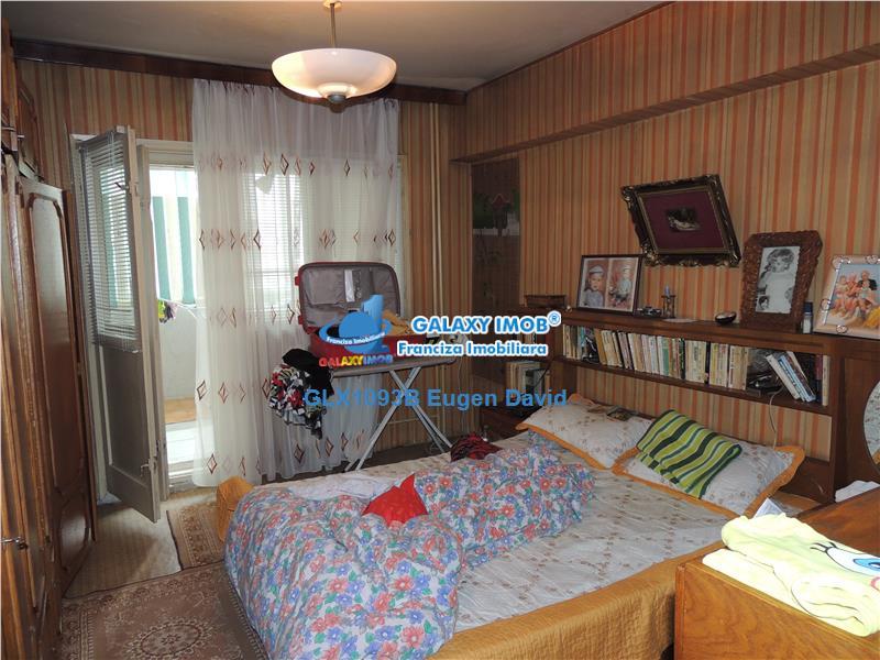 Vanzare apartament 4 camere, decomandat, 4/10, Ritmului-Pantelimon
