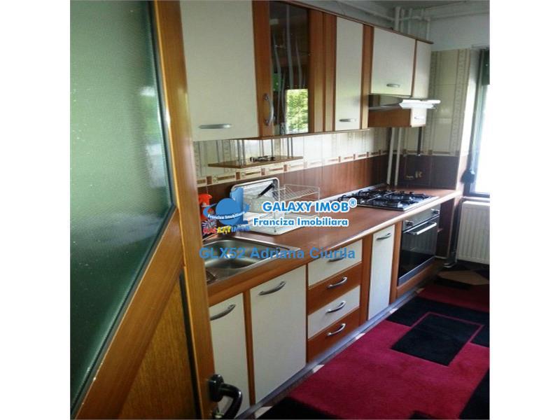 Vanzare apartament 4 camere in Ploiesti, zona Bariera Bucuresti