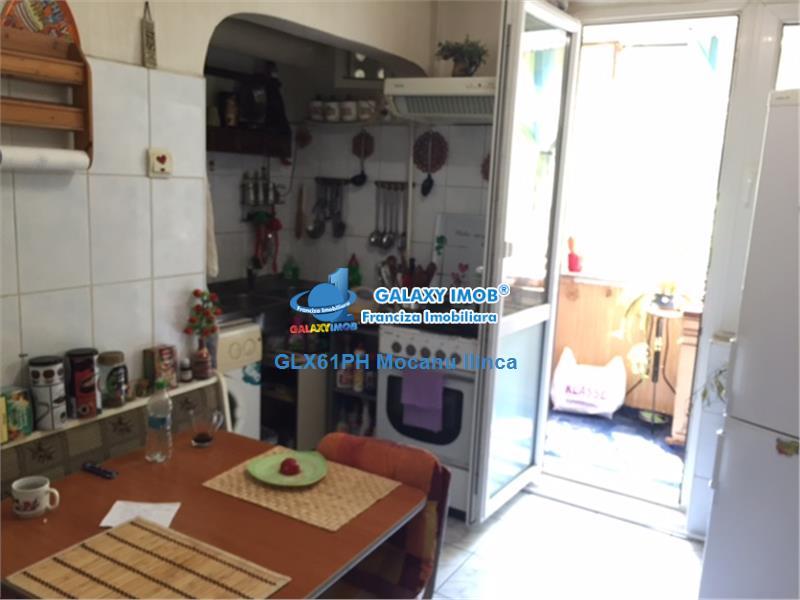 Vanzare apartament 4 camere, in Ploiesti, zona Democratiei