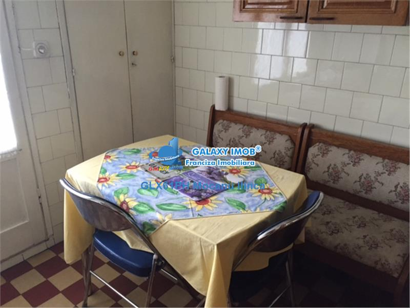Vanzare apartament 4 camere, in Ploiesti, zona Sud
