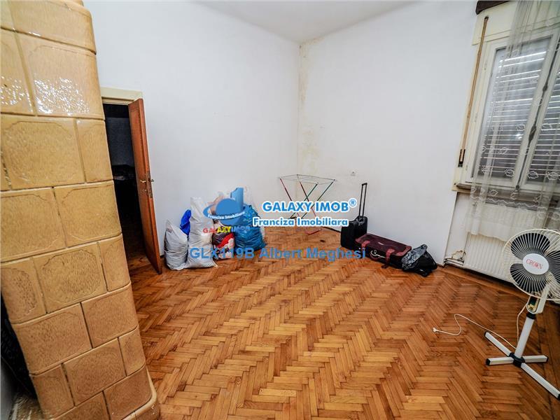 Vanzare Apartament 4 Camere in Vila Interbelica Zona Calea Calarasilor