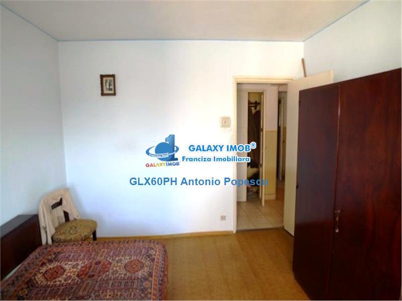 Vanzare apartament 4 camere, Ploiesti, Vest, confort 1A decomandat