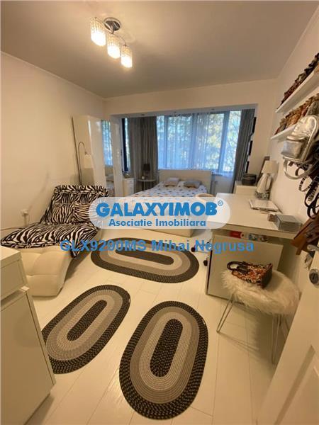 Vanzare apartament cu 2 camere, amenajat frumos, in Aleea Carpati