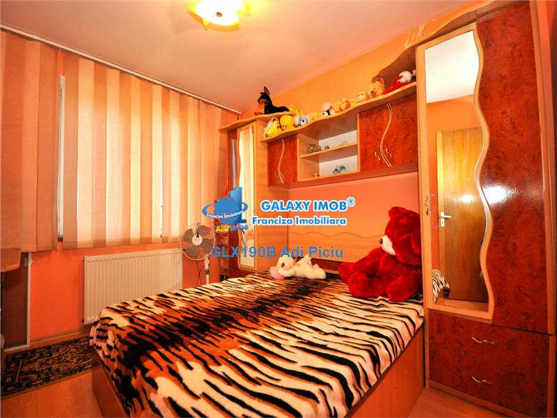 Vanzare apartament cu 4 camere  metrou Aparatorii Patriei