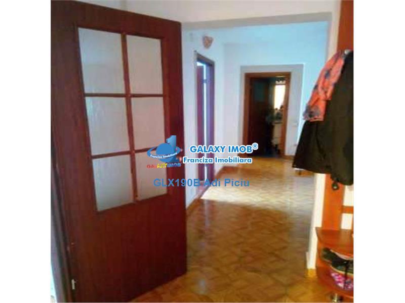 Vanzare apartament renovat 3 camere Militari Apusului