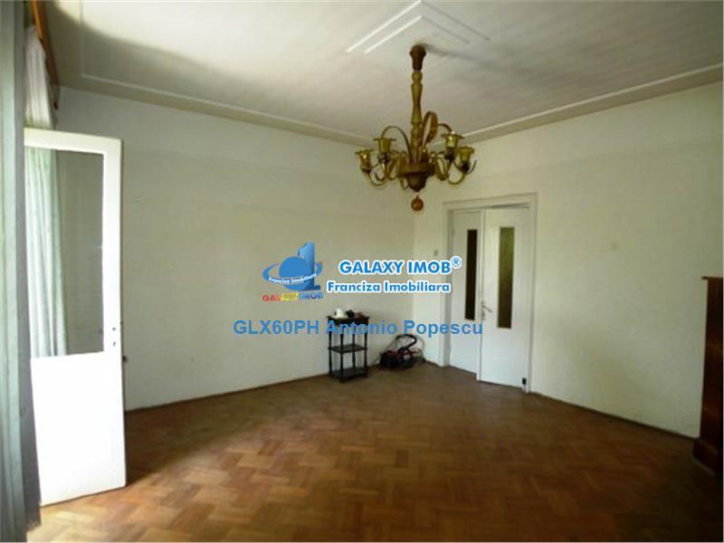 Vanzare casa 3 camere, in Ploiesti, zona Ultracentrala.