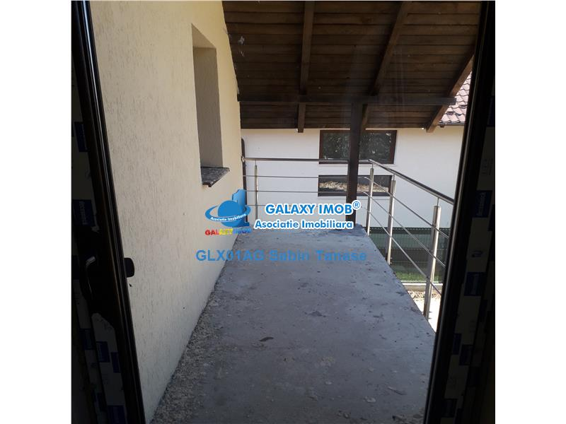 vanzare vila moderna  la gri cu teren 550mp