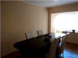 Inchiriere apartament 4 camere in Ploiesti, zona Eminescu