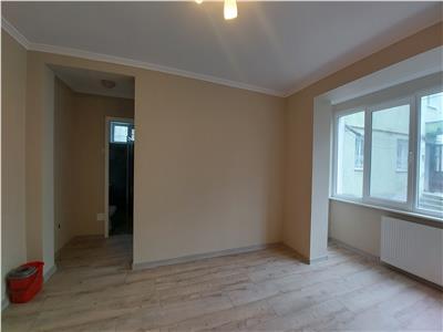 Apartament 2 camere, renovat nou, marchian!