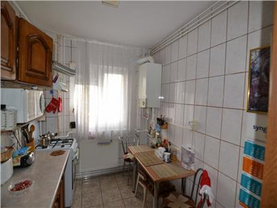 Apartament 2 camere decomandat et 7 - bloc '85 - 55 mp -vitan