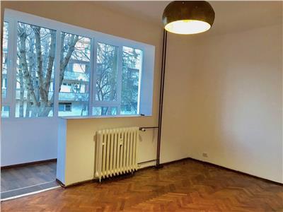 Apartament 2 camere, complet renovat, bloc beton, zona Nord, Ploiesti