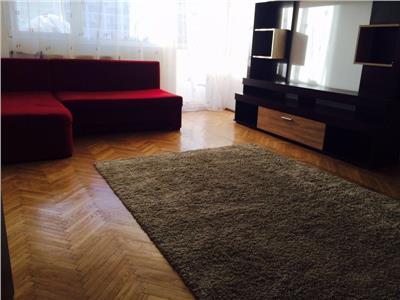 Apartament 2 camere de inchirat Titan Bd Basarabia