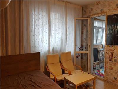 Apartament 2 camere de vanzare Dristor zona piata Ramnicu Sarat