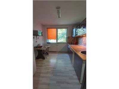 Apartament 2 camere de vanzare Titan zona metrou Costin Georgian
