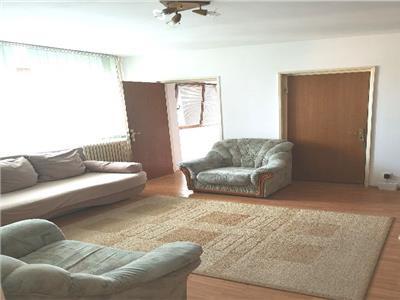 Apartament 2 camere de vanzare Titan zona Postavarul