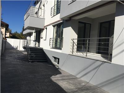 Apartament 2 camere decomandat 65 mp utili et 1 biserica bazilescu
