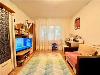 Apartament 2 camere, decomandat, bloc cubulet, zona Nord, Ploiesti