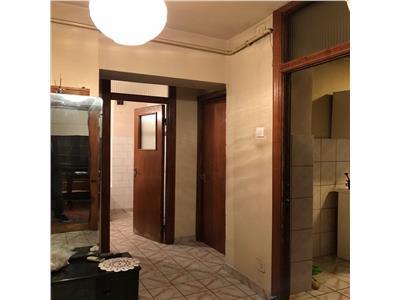 Apartament 2 camere, decomandat, bloc winmarkt, ultracentral, ploiesti