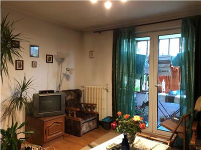 Apartament 2 camere, decomandat, mobilat, zona bd. castanilor ploiesti