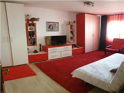 Apartament 2 camere, decomandat, zona Burebista
