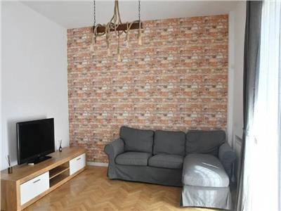 Apartament 2 camere, decomandat, zona Vasile Lascar