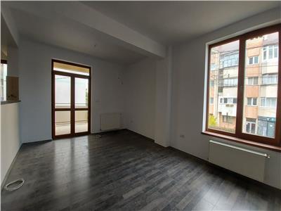 Apartament 2 camere, etaj 1!