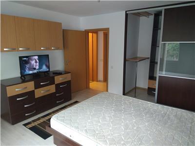 Apartament 2 camere etaj 1/4 - Bl. Basarabia - Piata Muncii