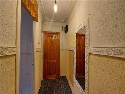 Apartament 2 camere etaj 2!
