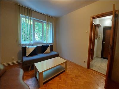 Apartament 2 camere, etaj 2, zona teatrului mihai eminescu!