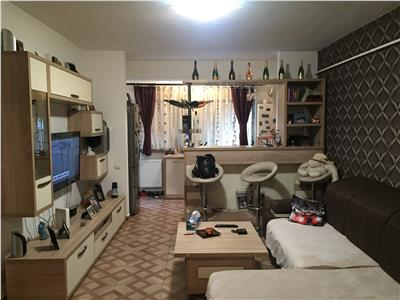 Apartament 2 camere - mobilat si utilat-curte