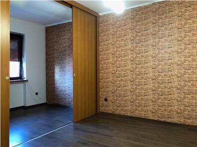Apartament 2 camere, nemobilat, spatiu birouri, Hotel Central Ploiesti