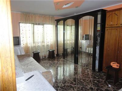 Apartament 2 camere, renovat, mobilat, piata mare !!!