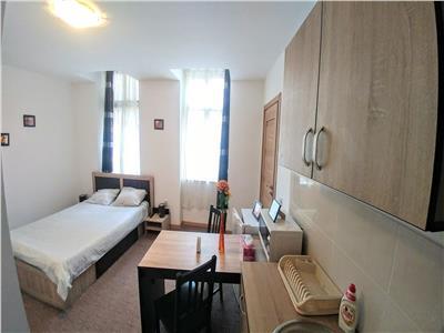 Apartament cu 2 camere si 2 bai si garaj la 300 m de centru