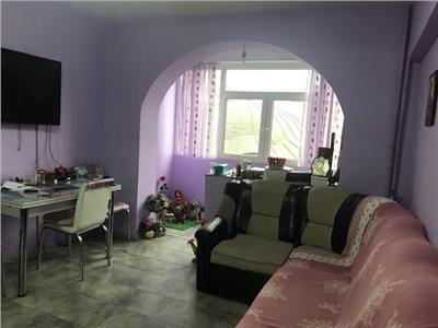 Apartament 2 camere, semidecomandat, zona Ultracentrala, Ploiesti.